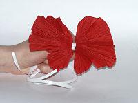Как сделать бант из креповой бумаги своими руками